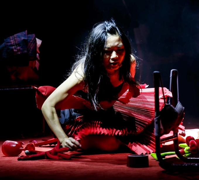 Learn to listen with heart through Women In Red — a Mo Lai Yan Chi production