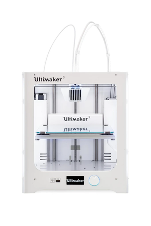 A 3D printer - Ultimaker 3 Printer